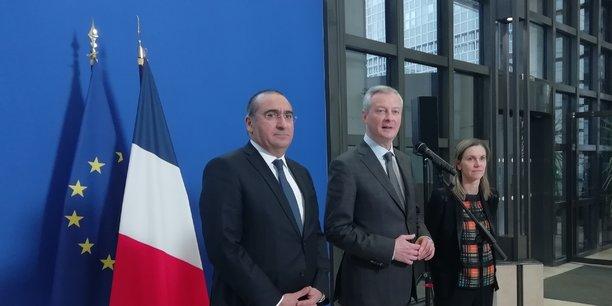 De gauche à droite : Laurent Nunez, secrétaire d'Etat auprès du ministre de l'Intérieur, Bruno Le Maire, ministre de l'Economie et des Finances, et Agnès Pannier-Runacher, secrétaire d'Etat auprès du ministre de l'Economie et des Finances.