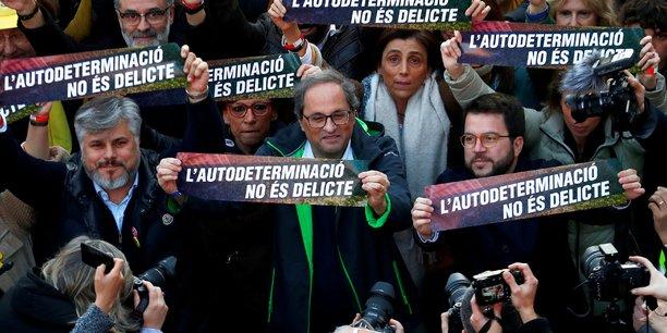 Pres de 200.000 independantistes defilent a barcelone[reuters.com]