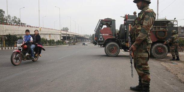 Vingt-trois arrestations en inde apres l'attentat au cachemire[reuters.com]