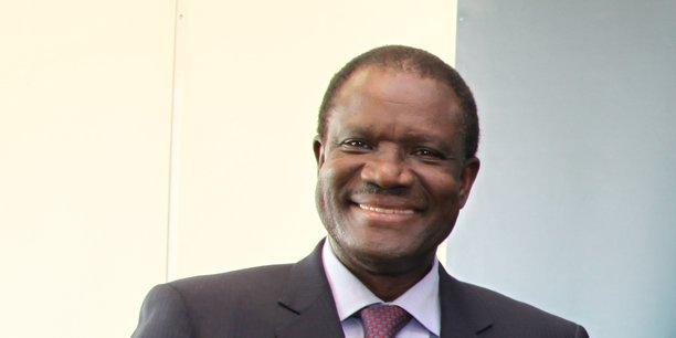 Kadré Désiré Ouédraogo est un ancien bras droit de Blaise Compaoré. Ancien Premier ministre de 1996 à 2000, il sera ambassadeur auprès de l'UE de 2001 à 2011 avant de prendre le poste de président de la Commission de la Communauté économique des Etats de l'Afrique de l'ouest de 2012 à 2016.