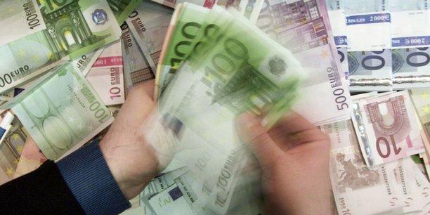 De nombreuses preuves existent que l'économie de la zone euro aurait été en bien pire état sans la stimulation politique des achats d'actifs menés par la BCE, écrit jeudi l'institut monétaire.