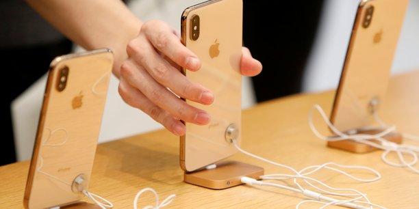 Pour la première fois depuis 2013, les ventes d'iPhones pèse moins de 50% du chiffre d'affaires d'Apple.
