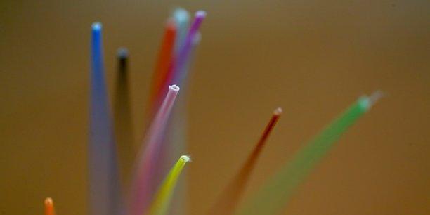 La France compte aujourd'hui 4,8 millions d'abonnés au FTTH (« Fiber th the home », ou fibre de bout en bout).