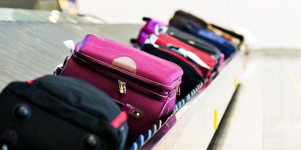 Améliorer la traçabilité. Paragon ID permet aux compagnies aériennes de suivre chaque valise au moyen d'une puce RFID placée sur son étiquette.