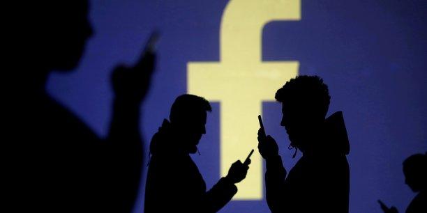 Facebook, plus grand réseau social au monde, est utilisé par plus de 2,3 milliards d'utilisateurs.