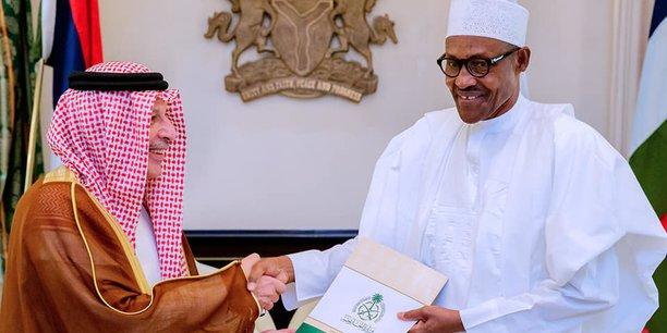 Le ministre saoudien des Affaires africaines, Ahmad Qattan, émissaire du roi Salman Bin Abdulaziz auprès de Buhari pour amener le Nigeria à baisser sa production.