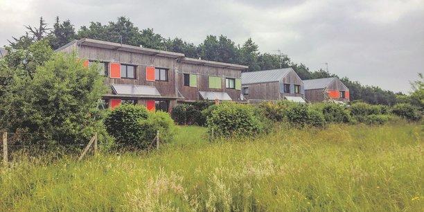 Une fibre verte cultivée depuis 1999. Des hameaux de logements sociaux ont été construits en 2005 par la ville, sans promoteur et selon les modes de développement durable.