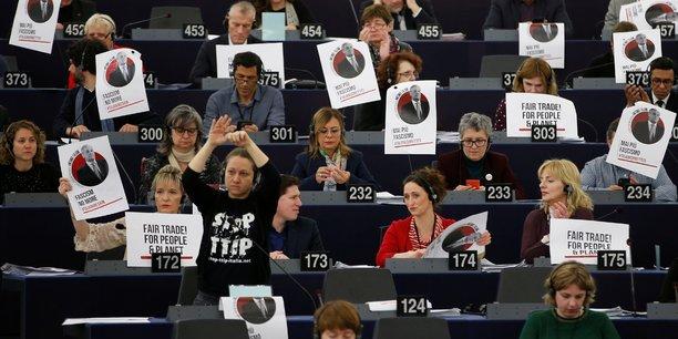 Ue: antonio tajani s'excuse apres ses propos sur mussolini[reuters.com]