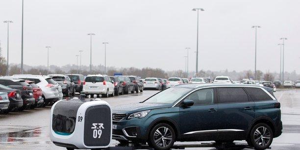Le robot-voiturier vous attend au parking de l'aeroport de lyon[reuters.com]