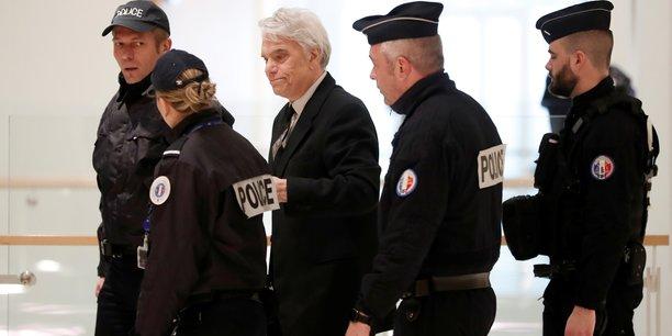 Tapie, victime devenue accusee selon son avocat et co-prevenu[reuters.com]