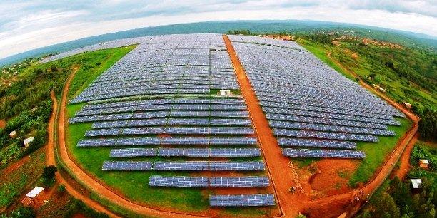 Les 47 milliards de dollars de fonds seront utilisés pour augmenter les investissements dans des projets d'énergie renouvelable tels que les centrales solaires.