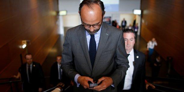 Le gouvernement d'Edouard Philippe peine à clarifier sa réponse aux gilets jeunes, notamment sur la question fiscale.