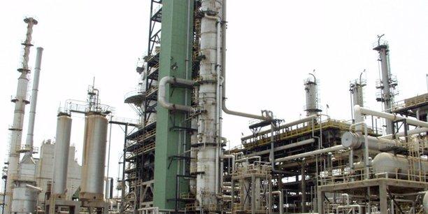 Le Nigeria, grand pays pétrolier d'Afrique, ne dispose pourtant que de quatre raffineries aux capacités limitées par l'obsolescence des installations et la mauvaise gestion.