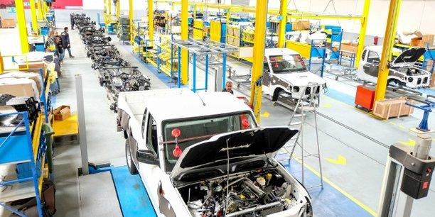 En plus de la marque Geely, Médicars, filiale du groupe tunisien Zouari, procède également à l'assemblage des pick-up Mahindra (Inde) et des camionnettes Hyundai (Corée du Sud).