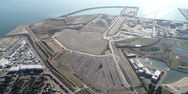 Le polder du port de Brest poursuit son avancée vers la mer.