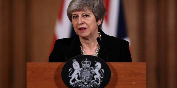 Dans une lettre, Theresa May souligne qu'elle cherche toujours à obtenir un accord des députés britanniques qui permette au Royaume-Uni de quitter l'UE avant le 23 mai et ainsi annuler (la participation du pays aux) élections européennes.