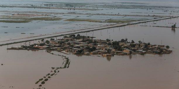 La montée des eaux causerait des pertes annuelles dont la moyenne dépasserait 0,3% du PIB mondial et pourrait atteindre 9,3%, si les mesures d'adaptation nécessaires ne sont pas adoptées, relève encore le rapport.