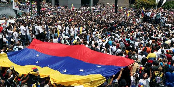 L'opposant Juan Guaido, rejoint par une partie des forces armées, appelle ses fidèles à renouveler leur mobilisation ce mercredi 1er mai.