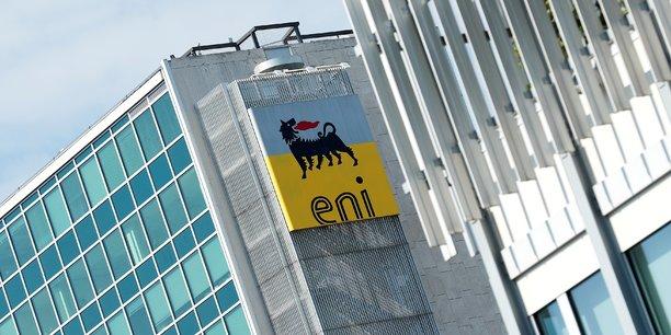 Eni et son homologue anglo-néerlandais Royal Dutch Shell sont jugés pour avoir versé 1,1 milliard de dollars en pots-de-vin en vue de l'obtention du gisement pétrolier offshore OPL 245 du Nigéria en 2011.