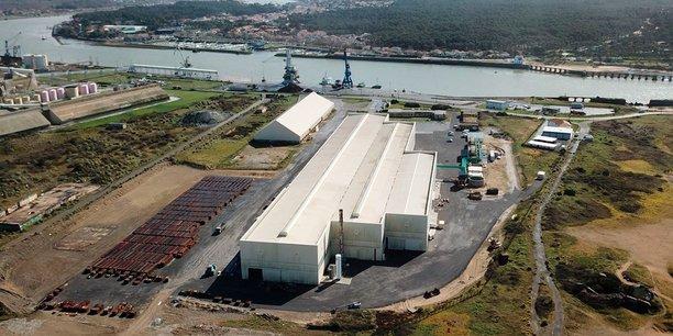 L'usine de Tarnos comprend un bâtiment de 30.000 m2 à proximité du port de Bayonne.