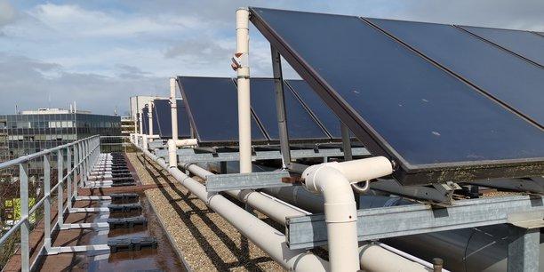 Panneaux solaires thermiques, pompes à chaleur ou encore chaudières biomasse sont éligibles aux subventions de l'Ademe.