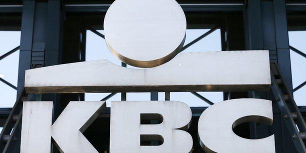 Kbc rachete le solde de la caisse d'epargne tcheque cmss pour 240 millions d'euros[reuters.com]