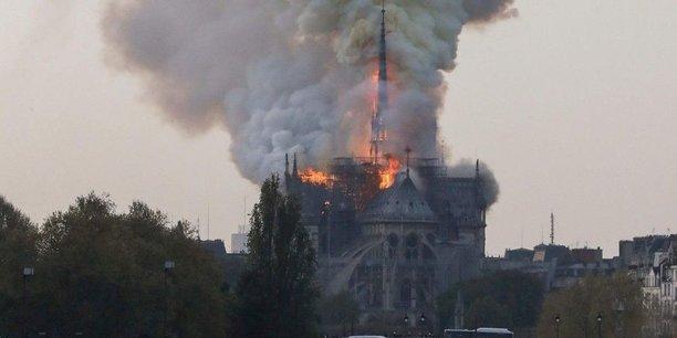Incendie de Notre-Dame : de l'émotion à la reconstruction d'un patrimoine mondial