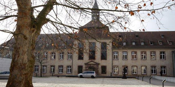 Emmanuel Macron a confirmé, ce jeudi 25 avril, son intention de supprimer l'école nationale d'administration.