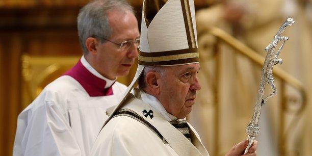 Macron a invite le pape francois, qui viendra en temps voulu[reuters.com]