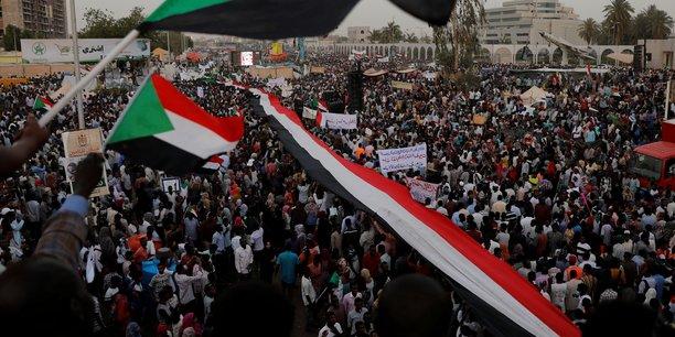 Nouvelle manifestation a khartoum en faveur d'un pouvoir civil[reuters.com]