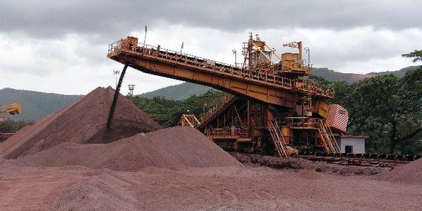 A l'origine le projet avait été cédé à Forécariah Guinea Mining SAU  - filiale de Bellzone Mining- mais la société déclarée insolvable en 2014 n'a pu développer le projet faute de moyens.