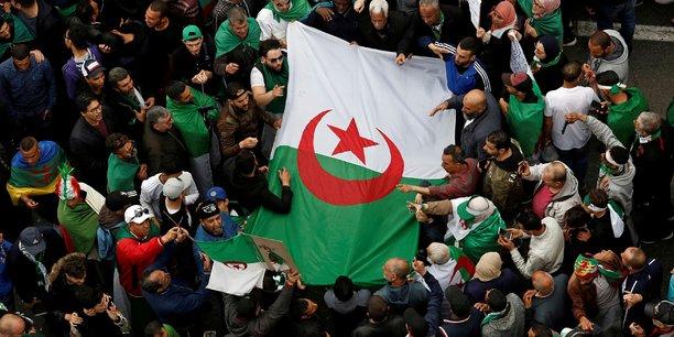 Algerie: cinq milliardaires dont des proches de bouteflika arretes[reuters.com]
