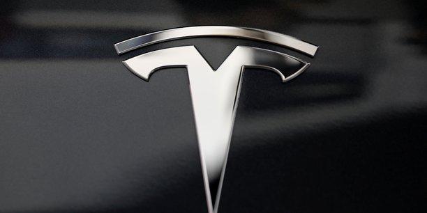 Tesla annonce des robots-taxis autonomes pour 2020[reuters.com]