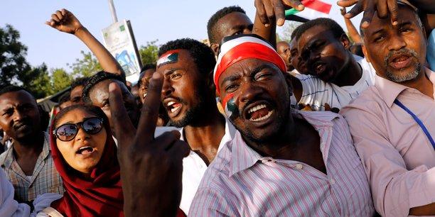Soudan: des habitants d'atbara, berceau du soulevement, se rendent a khartoum[reuters.com]