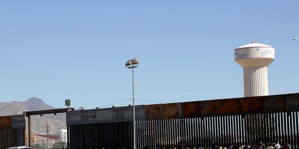 Une milice anti-migrants quitte son campement dans le nouveau-mexique[reuters.com]