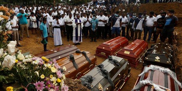 Sri lanka: le bilan des attentats s'alourdit a 359 morts, annonce la police[reuters.com]