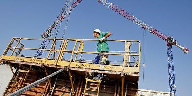 Les déclarations d'embauche de plus d'un mois ont accéléré dans la construction (+2,9% après +1,1% au trimestre précédent).