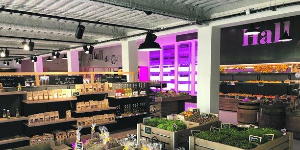 L'espace de vente de 170 mètres carrés propose les productions de la ferme urbaine conçue en partenariat avec La Florentaise.