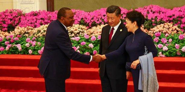 Le président kényan Uhuru Kenyatta effectue une visite de travail de 3 jours en Chine en marge de sa participation au Forum de la Route de la soie .