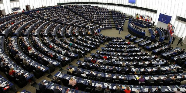 Le RN largement en tête selon un sondage — Européennes