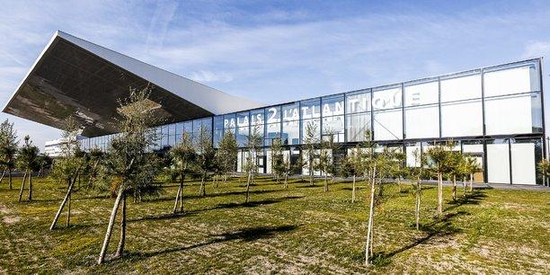 Le nouveau bâtiment étend ses 15.000 m2 sur deux niveaux.