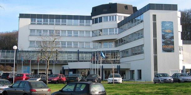 L'École supérieure de commerce et de management à Tours.
