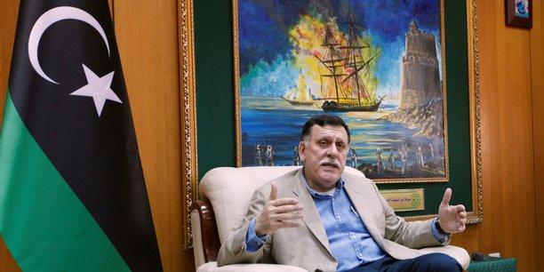 Le chef du GNA Fayez Al-Sarraj a demandé au président français Emmanuel Macron de s'exprimer ouvertement contre les agissements du maréchal.