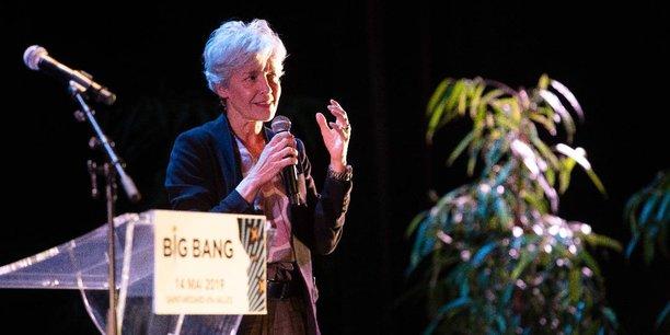 Claudie Haigneré, astronaute et conseillère auprès du directeur général de l'ESA, lors de sa conférence à l'occasion du festival Big Bang de Saint-Médard-en-Jalles.
