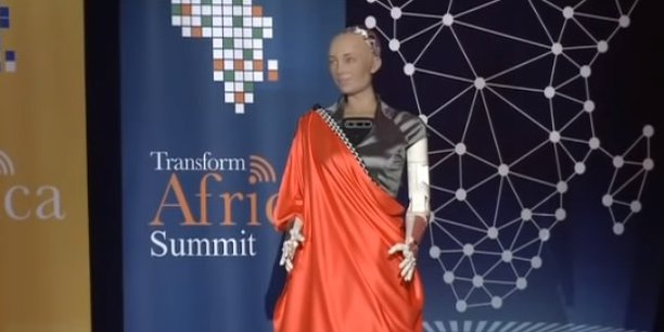 A Kigali, parmi les invités de marque au Transform Africa Summit, Sophia, le robot humanoïde qui, après une brève interaction «on stage», s'est exprimé sur la valeur de l'innovation africaine pour la planète.