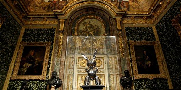 Une sculpture de jeff koons adjugee 91 millions de dollars a new york[reuters.com]