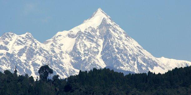 Deux himalayistes indiens decedent sous le sommet du kanchenjunga[reuters.com]