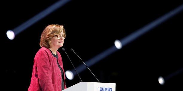 Loiseau dramatise les enjeux d'un scrutin historique[reuters.com]