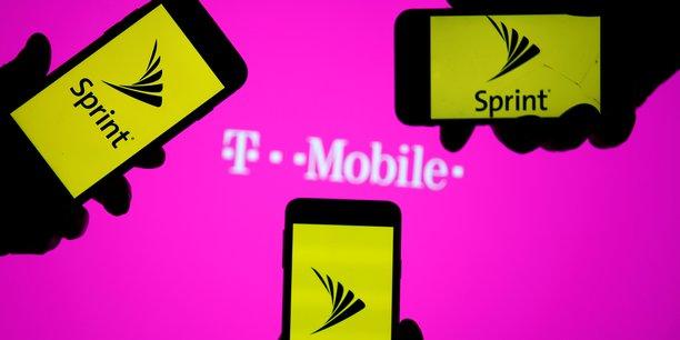 Usa: le president de la fcc soutient la fusion t-mobile/sprint[reuters.com]
