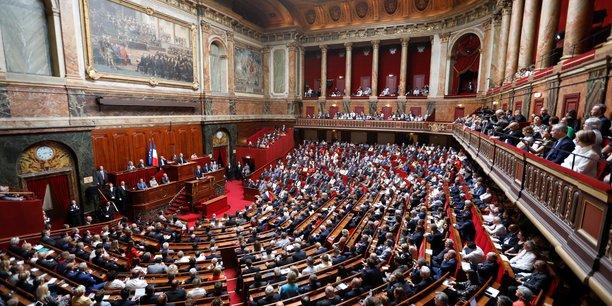 Le senat adopte une version revisee de la reforme de l'ecole[reuters.com]